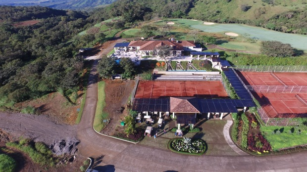 tennis-golf-and-clubhouse